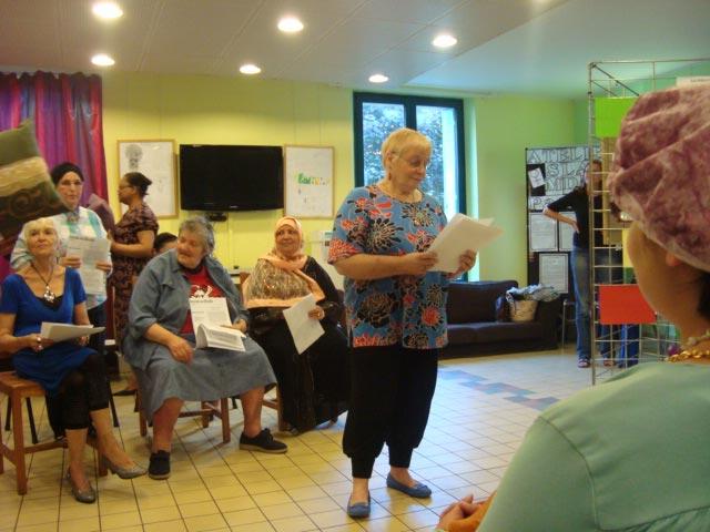 2-Lecture-atelier-ecriture-Festival-Transit-2011-Maison-de-quartier-Saint-Ouen