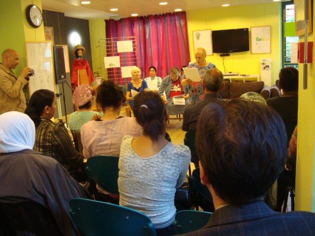 3-Lecture-atelier-ecriture-Festival-Transit-2011-Maison-de-quartier-Saint-Ouen