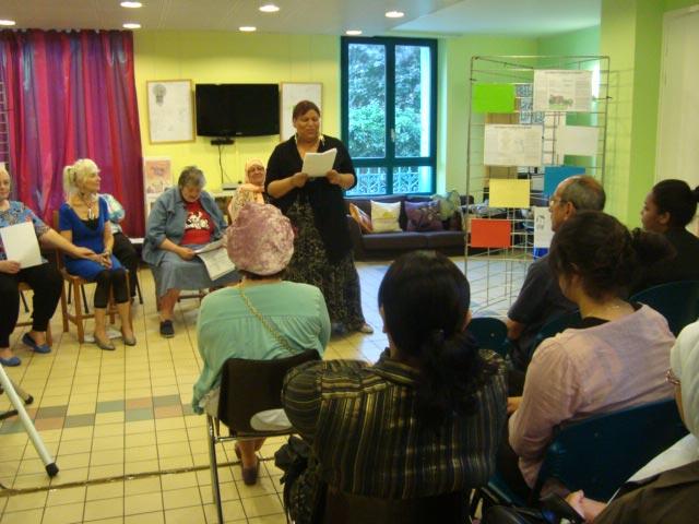 4-Lecture-atelier-ecriture-Festival-Transit-2011-Maison-de-quartier-Saint-Ouen